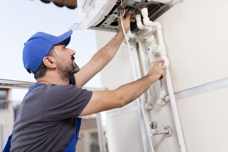 When to Get Your Hot Water Tank Replaced